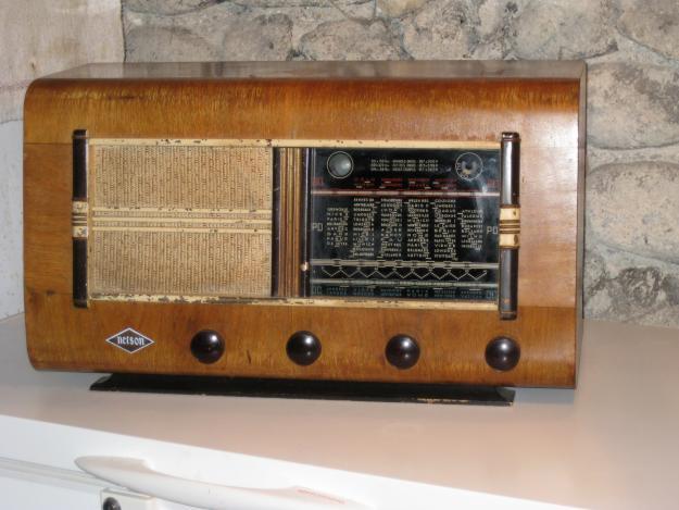 tubes vieux postes radio. Black Bedroom Furniture Sets. Home Design Ideas